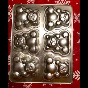 Wilton 6-Mold Teddy Bear Cake Pan